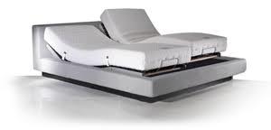 מיטה מתכווננת.jpg